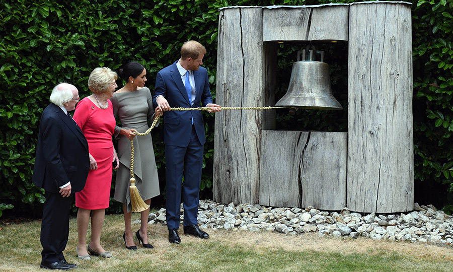 The Duke and Duchess of Sussex rang the Peace Bell, a symbol of reconciliation, as Michael and Sabina looked on. <p>Photo: © Andrew Parsons - Pool/Getty Images
