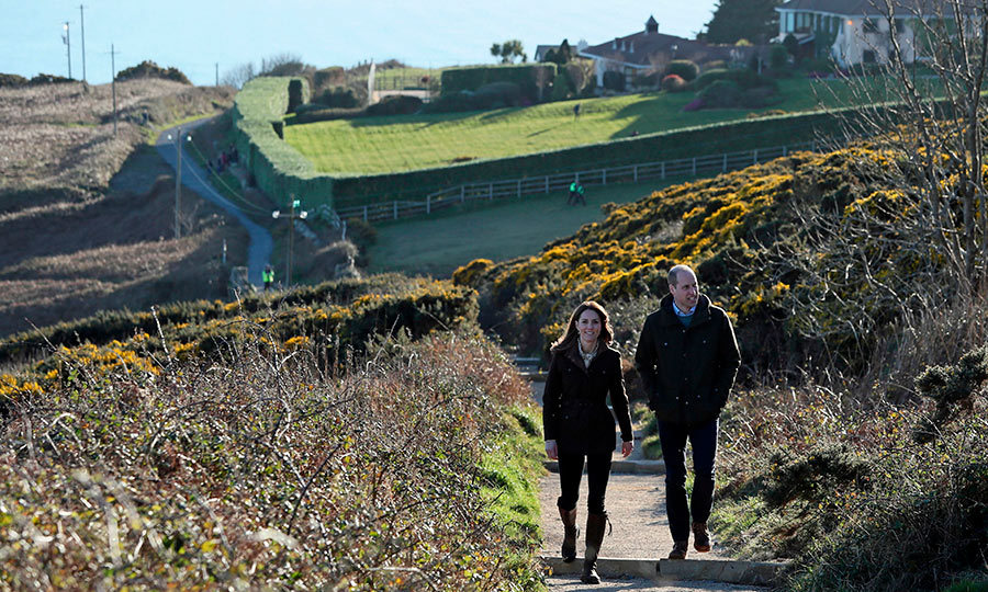 They then travelled to Howth, a suburb of Dublin on the Irish Sea, where they met with experts from Ireland's marine department and heard about how the country is combating climate change. They also took a walk through its spectacular landscapes and walked up a hill to the top of a cliff. 