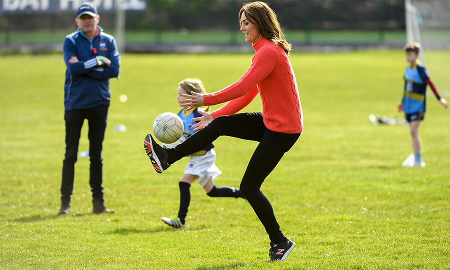 Following that engagement, the couple headed to the Salthill Knockacarra Gaelic Athletic Association club to learn more about Gaelic soccer and hurling, two of Ireland's most popular sports. Kate showed off her awesome soccer skills!
