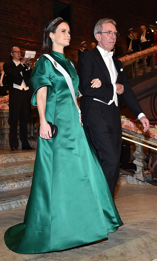 "<a href=""https://ca.hellomagazine.com/tags/0/princess-sofia""><strong>Princess Sofia of Sweden</strong></a> brimmed with elegance in a jade gown at the Nobel Prize Banquet at City Hall on Dec. 10, 2016. She was accompanied by <strong>Professor Jean-Pierre Sauvage</strong>, laureate of the Nobel Prize in Chemistry.