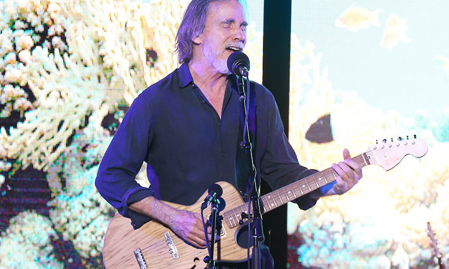<h2>Jackson Browne</h2>