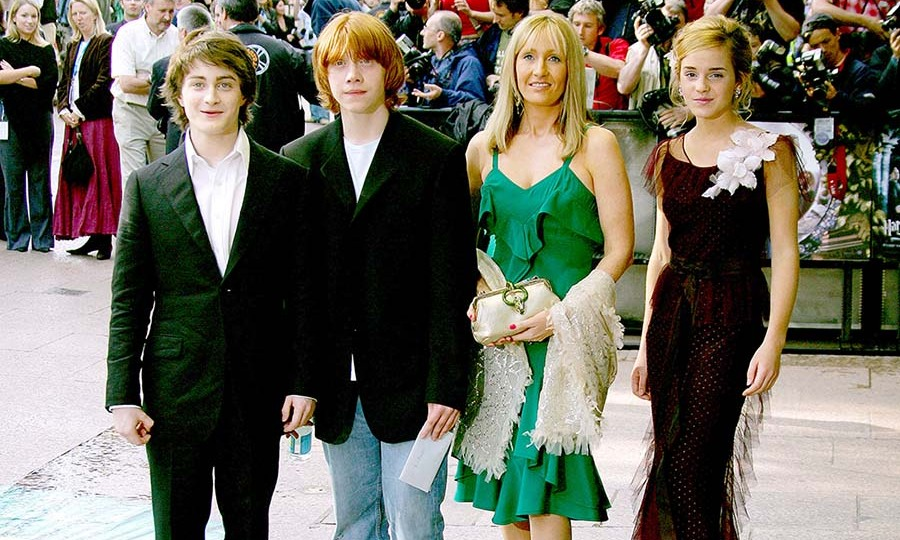 <h2>2004</h2>