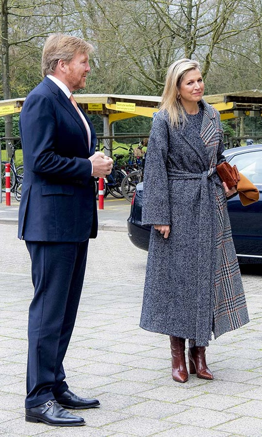 <a href=/tags/0/queen-maxima><strong>Queen Máxima</strong></a> and <a href=/tags/0/king-willem-alexander><strong>King Willem-Alexander</strong></a> visited the National Institute for Public Health (RIVM) in Haarlemmermeer for a briefing about the fight against COVID-19 on April 3.
