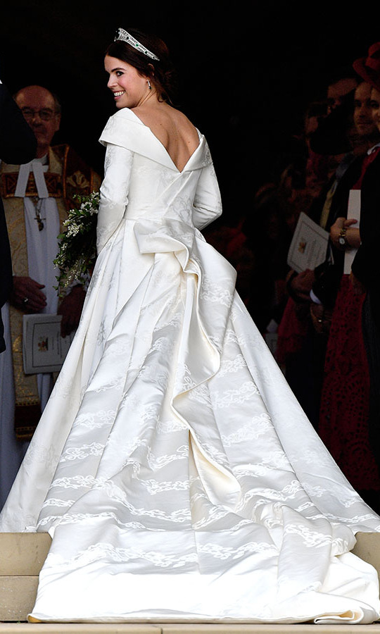 Eugenie asked the designers to keep the back of her wedding gown open so people could see the scar on her back from the scoliosis surgery she had when she was 12.