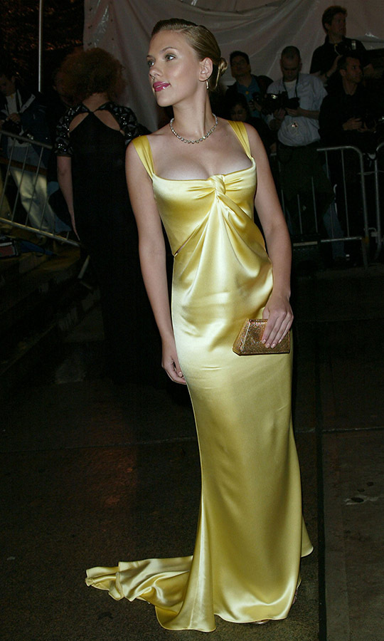 <h2>Scarlett Johansson, 2004</h2>