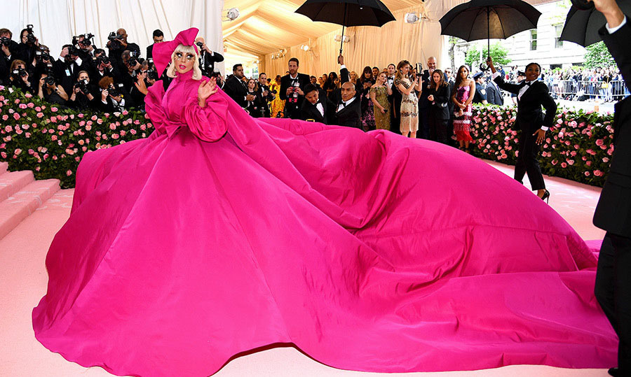 <h2>Lady Gaga, 2019</h2>