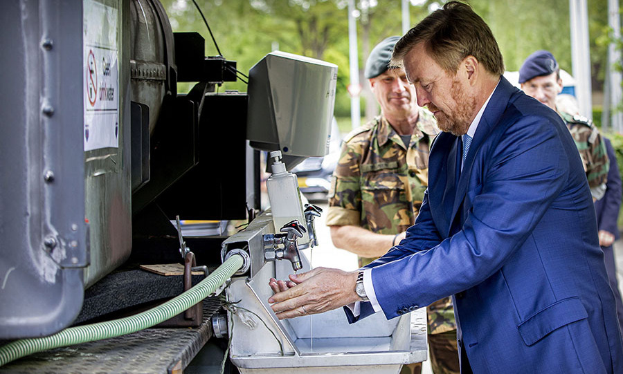 On May 13, <a href=/tags/0/king-willem-alexander><strong>King Willem-Alexander</strong></a> paid a visit to the Territorial Operations Center (TOC) of the Royal Netherlands Army at the Bernhard Barracks.
