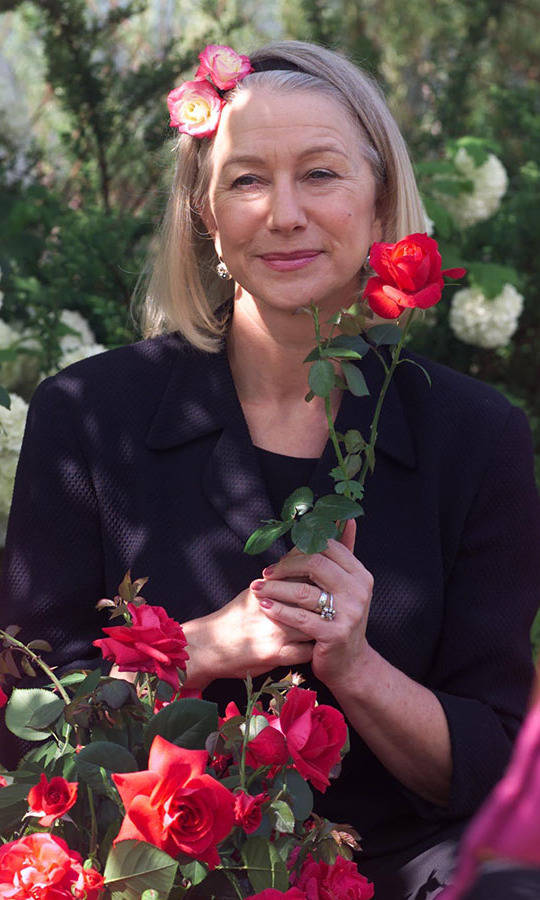 <h2>Helen Mirren, 2000</h2>