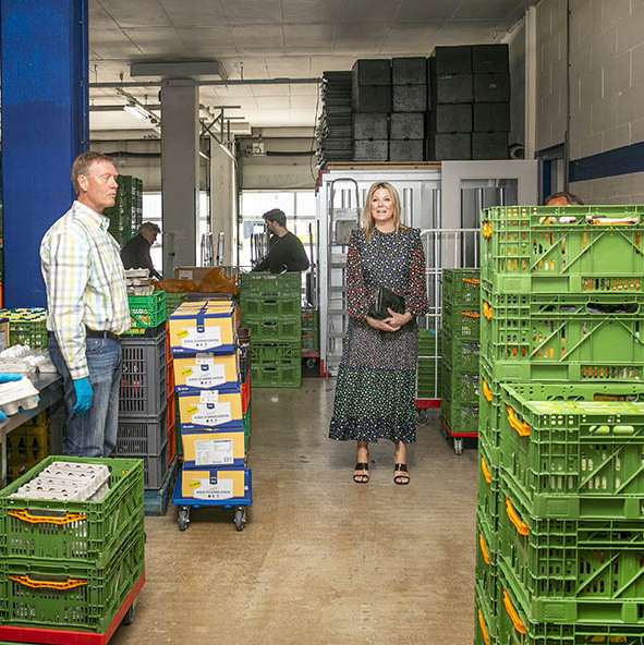 On May 19, <a href=/tags/0/queen-maxima><strong>Queen Máxima</strong></a> stepped out to a food bank in Delft to hear about the impact of the <a href=/tags/0/coronavirus><strong>coronavirus</strong></a>. She wore a patchwork floral dress by <strong>Rixo</strong>. The <a href=/tags/0/dutch-royals><strong>Dutch royal</strong></a> accessorized with statement red earrings, a black croc-effect clutch and black heeled sandals.