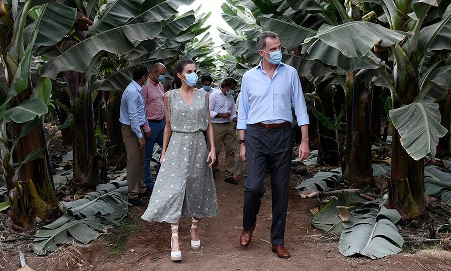 The royals also visited the El Confital farm, a Canarian fruit plantation in Tenerife. They met with producers and got a tour where they saw some of the incredible crops, including bananas.