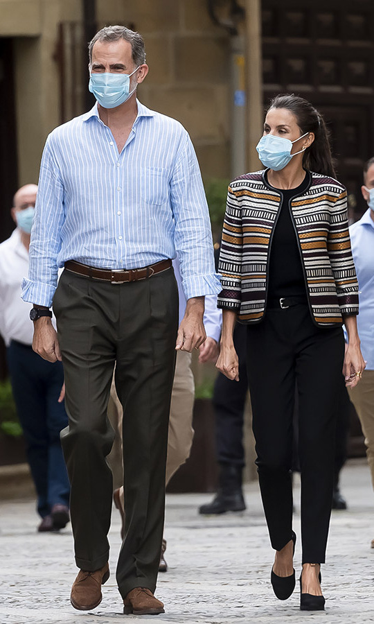 <a href=/tags/0/queen-letizia><strong>Queen Letizia</strong></a> and <a href=/tags/0/king-felipe><strong>King Felipe</strong></a> continued their royal tour across Spain on July 10. The <a href=/tags/0/spanish-royals><strong>Spanish royals</strong></a> visited Santo Domingo de la Calzada and Letizia looked sophisticated in a black top, trousers and heels topped with a striped jacket from Spanish label <strong>Uterqüe</strong>. 