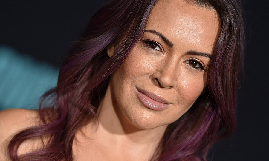 <A HREF=/tags/0/alyssa-milano><strong>Alyssa Milano</a></strong> was tested twice for COVID-19 earlier this year and both tests came back negative, but she didn't buy it. Now she says she's tested positive for antibodies to the illness. 