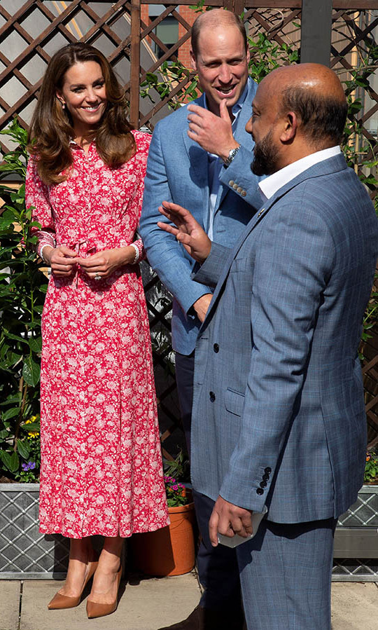The Cambridges shared a moment at the East London Mosque and London Muslim Centre in Whitechapel as they visited with volunteers who have supported members of the community during COVID-19 pandemic. The group enjoyed the lovely late summer day.