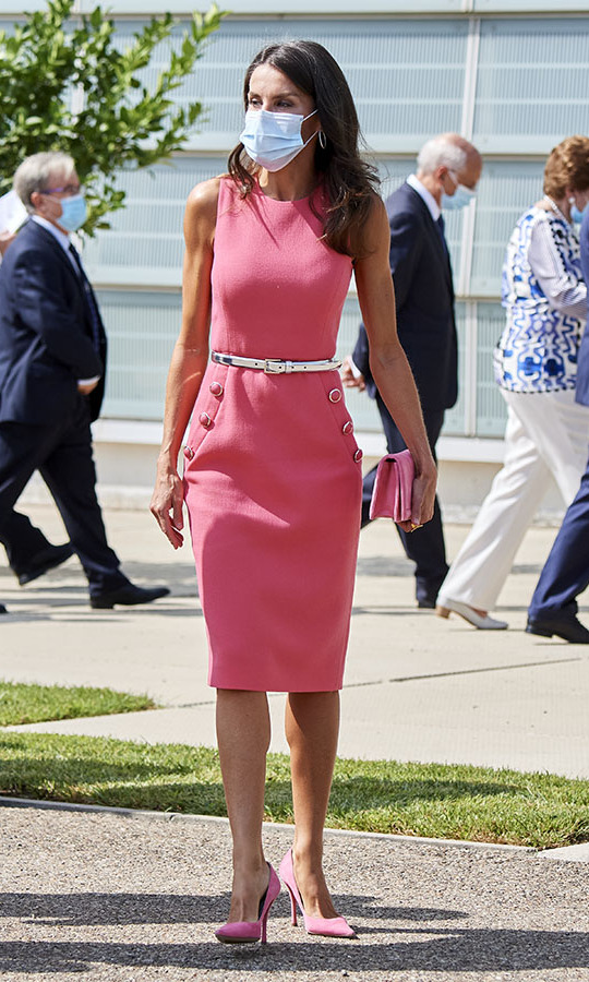 <a href=/tags/0/queen-letizia><strong>Queen Letizia</strong></a> was pretty in a flamingo pink dress by <a href=/tags/0/michael-kors><strong>Michael Kors Collection</strong></a>, clutch and heels at the 125th anniversary of <em>El Heraldo De Aragon</em> newspaper event in Zaragoza on Sept. 16.