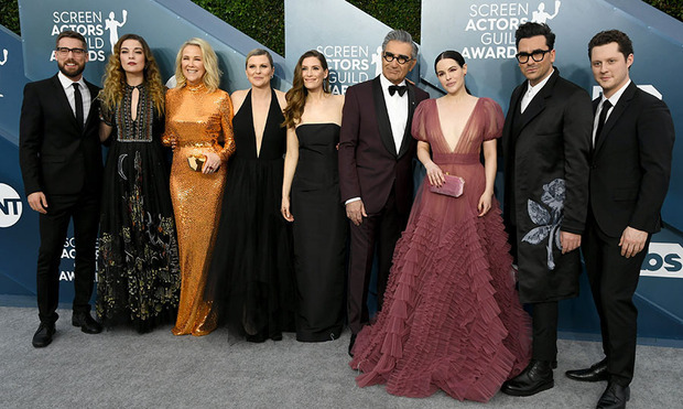 The cast and crew of Schitt's Creek at the 26th Annual Screen Actors Guild Awards on Jan. 19, 2020 in Los Angeles. Photo: © Jeff Kravitz/FilmMagic