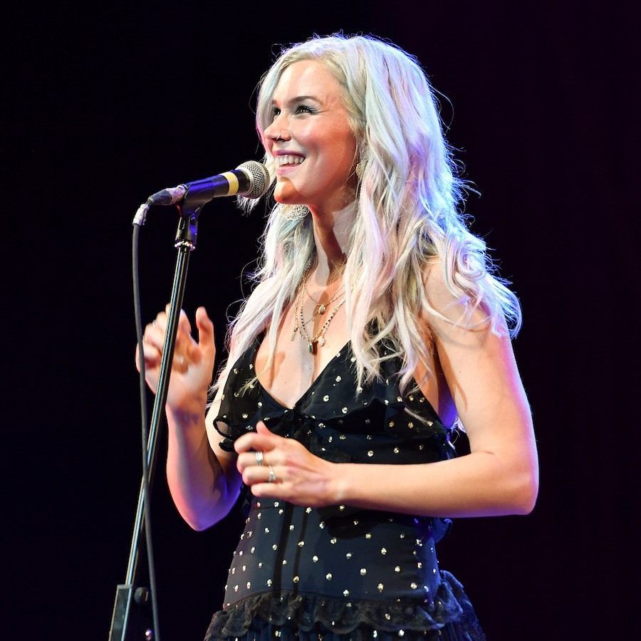 <h2>Joss Stone</h2>