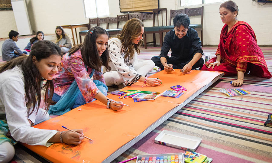 Kate enjoyed arts and crafts with the students at SOS Children's Village in Lahore on Oct. 18, 2019. Photo: © Samir Hussein/WireImage
