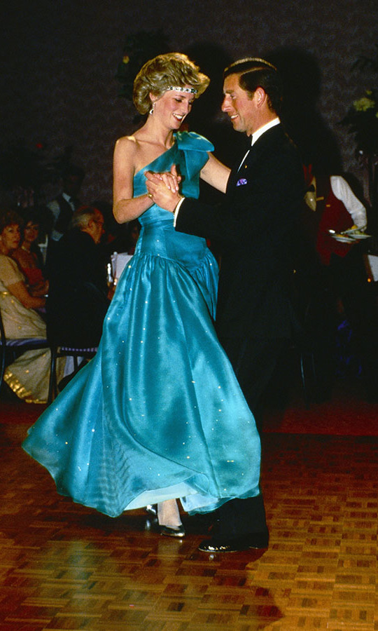<h2>Diana and Charles's early romance, 1980</h2>