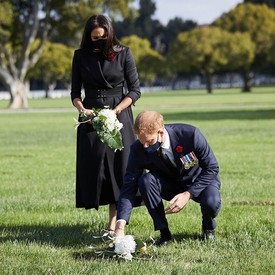 The Duke and Duchess of Sussex lay a wreath at Los Angeles National Cemetery on Remembrance Sunday 2020.