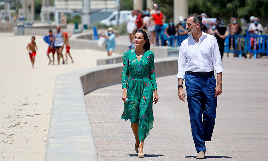 On June 25, the <a href=/tags/0/Spanish-royals><strong>Spanish royals</strong></a> stepped out to Palma de Mallorca as part of their royal tour around their country. Letizia looked summery in a green floral dress as they strolled on the Platja de s'Arena.