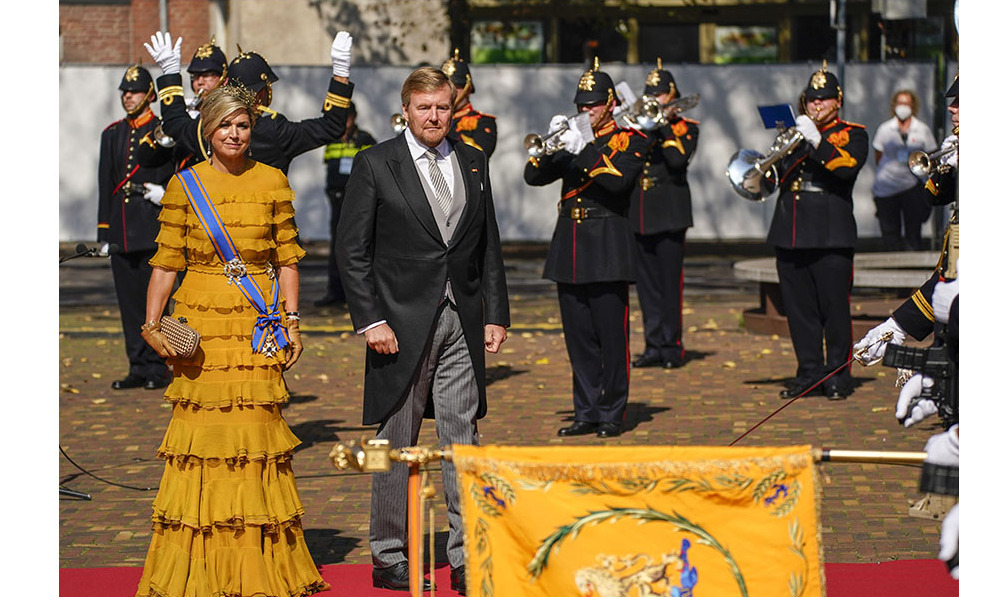 Queen Máxima and King Willem-Alexander were dressed to the nines to participate in the king's address from the throne to members of the Senate and House of Representatives on Prinsjesdag (Budget Day). 