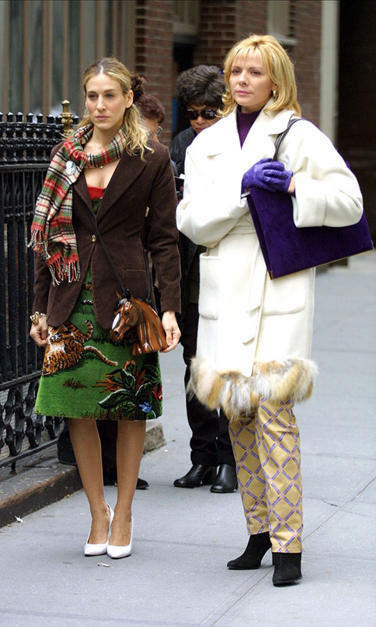 Sarah and Kim showed how to stylishly bundle up during chilly New York winters on set.