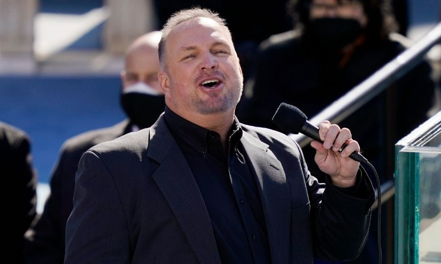 "Country legend <strong><a href=/tags/0/garth-brooks>Garth Brooks</a></strong> helped wrap up the ceremony by performing the hymnal ""Amazing Grace."" 
