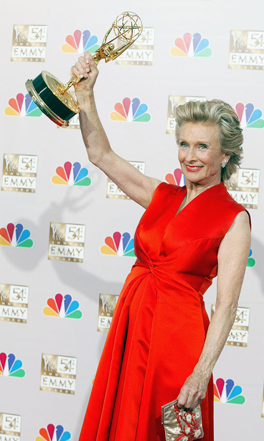 Cloris Leachman at the 54th Annual Emmy Awards on Sept. 22, 2002 with her Outstanding Guest Actress in a Comedy Series award for her appearance on <em>Malcolm in the Middle</em>. Photo: &copy; Kevin Winter/ImageDirect