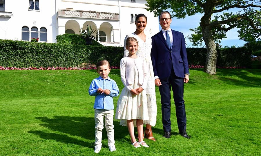 Crown Princess Victoria and Prince Daniel with their children, Prince Oscar and Princess Estelle, in the garden of Solliden Palace, the family's summer palace in Oland, on July 14, 2020. Photo: © JONAS EKSTROMER/TT News Agency/AFP via Getty Images