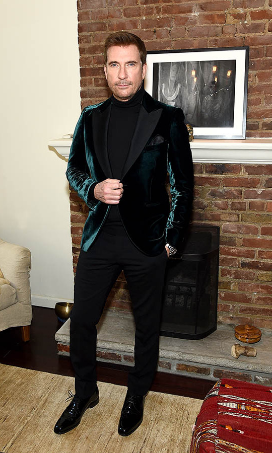 <strong><a href=/tags/0/dylan-mcdermott>Dylan McDermott</strong></a> looked debonair in a green velvet jacket with black layers. 