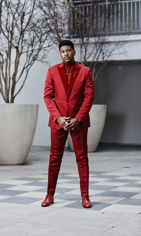 There was no missing <strong>Eli Goree</strong> in his standout red suit from <a href=/tags/0/etro><strong>Etro</strong></a> paired with matching shoes. 