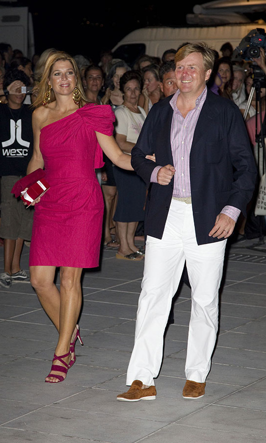 <a href=/tags/0/queen-maxima><strong>Queen Máxima</strong></a> and <a href=/tags/0/king-willem-alexander><strong>King Willem-Alexander</strong></a>, who were Crown Princess and Prince then, stepped out in their finest for a cocktail reception at the Poseidonion Grand Hotel in Spetses on the eve of the royal wedding of <a href=/tags/0/Prince-Nikolaos><strong>Prince Nikolaos</strong></a> of Greece to <a href=/tags/0/princess-taitiana><strong>Tatiana Blatnik</strong></a>, who is now Princess Tatiana in 2010. 