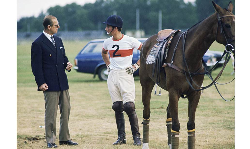 This more casual jacket and slacks would still work in modern times.