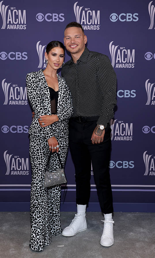 <strong>Katelyn Jae</strong> and <strong>Kane Brown</strong> matched in black and white at the 2021 ACM Awards.