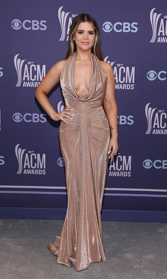Maren Morris wowed in a slinky neutral gown from <strong>LBV</strong>.