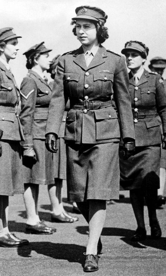 <h2>1945</h2>