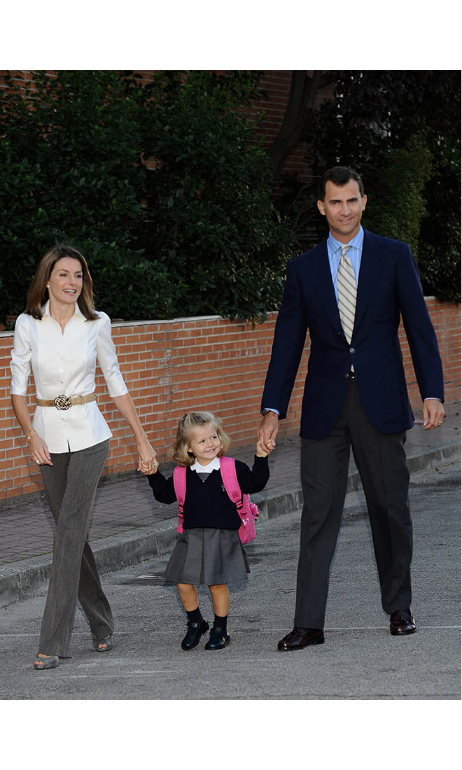 At three years old, little <a href=/tags/0/princess-leonor><strong>Princess Leonor</strong></a> stepped out for her first day of school with parents <a href=/tags/0/queen-letizia><strong>Queen Letizia</strong></a> and <a href=/tags/0/king-felipe-vi><strong>King Felipe</strong></a> in Aravaca on Sept. 15, 2008.