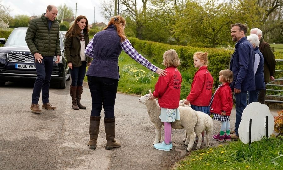 Kate also got to meet a lamb with Clare and Stewart's daughters (L-R) <strong>Clover</strong>, <strong>Penelope</strong> and <Strong>Wren</strong>.