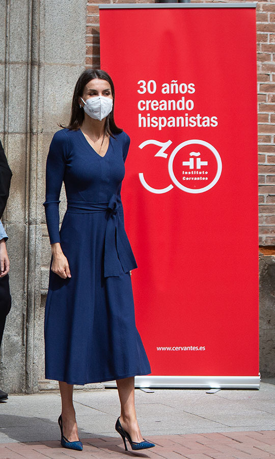 Queen Letizia visited the Cervantes Institute in Alcala de Henares for World Book Day (April 23) wearing a regal blue dress with matching heels. 