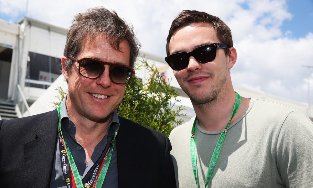 Hugh Grant and Nick Hoult