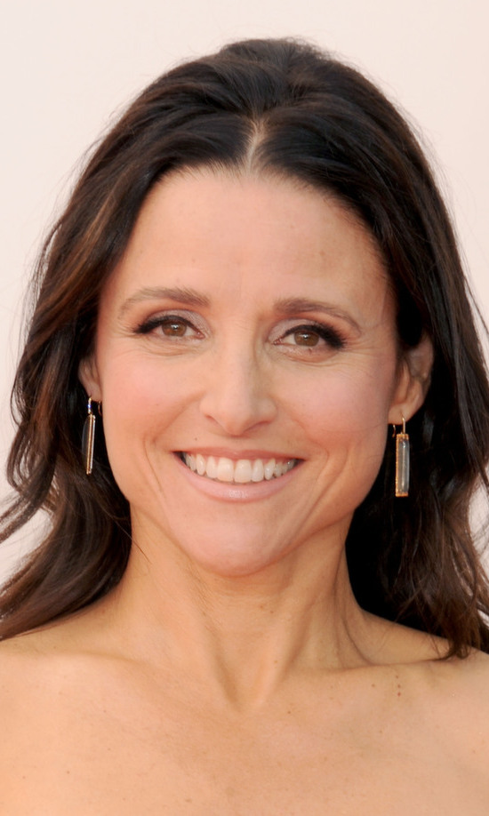 Talk about a timeless beauty: Julia Louis-Dreyfus wows with understated makeup and unfussy hair.