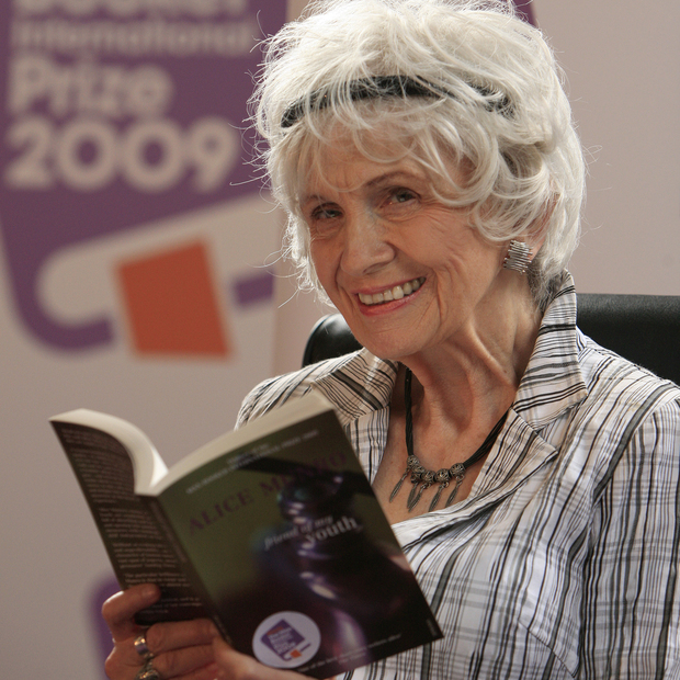 7 Insights on Writing from Nobel Prize Winner Alice Munro