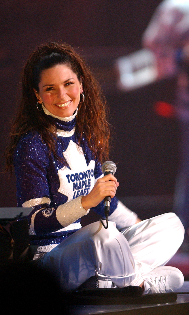 3. Shania Twain hosted the 2003 Juno Awards in Ottawa in a glitzy Maple Leafs jersey, but she wasn't always in the spotlight. By eight years old, Shania was singing in nightclubs, but before she became a full-time musician she had many other odd jobs, including working at McDonald's and running a tree-planting crew in northern Ontario.