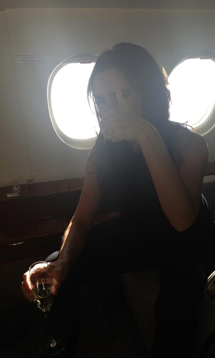 """Fun on the plane to Berlin x vb"" Photo: © Twitter"