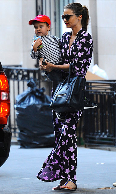 For an outing with son Flynn Bloom in 2012, Miranda Kerr was both comfortable and stylish in a kimono-inspired dress.