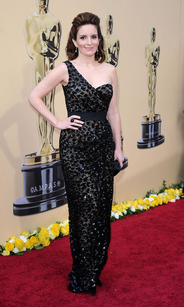 The SNL alum let out her inner wildcat at the 2010 Oscars in a saucy, one-shoulder leopard design by Michael Kors.