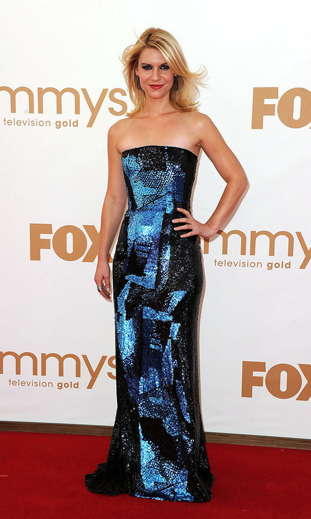The 2011 Emmys red carpet wasn't ready for this va-va-voom sequined gown by Oscar de la Renta. Paired with Irit Design drop earrings, it's safe to say that Angela Chase has definitely found her way.