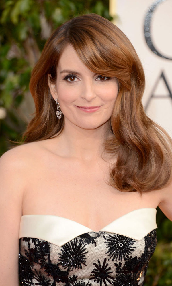 Host Tina Fey's gorgeous complexion had to stay put throughout the evening's festivities, so she opted for soft, natural makeup, as well as a long-lasting liquid liner.