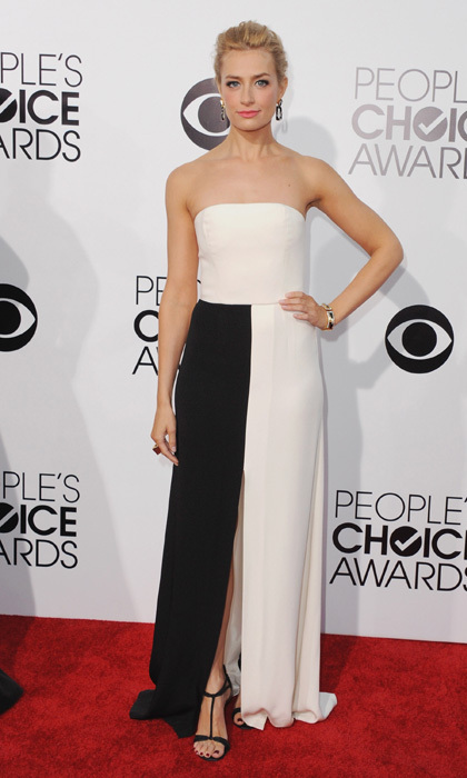 '2 Broke Girls' star Beth Behrs in black-and-white Rene Caovilla. Photo: © Getty Images