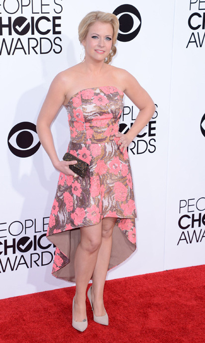 Melissa Joan Hart in a pink floral strapless number. Photo: © Getty Images